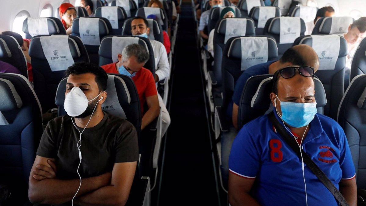 رعایت فاصله اجتماعی و نکات بهداشتی در داخل هواپیما