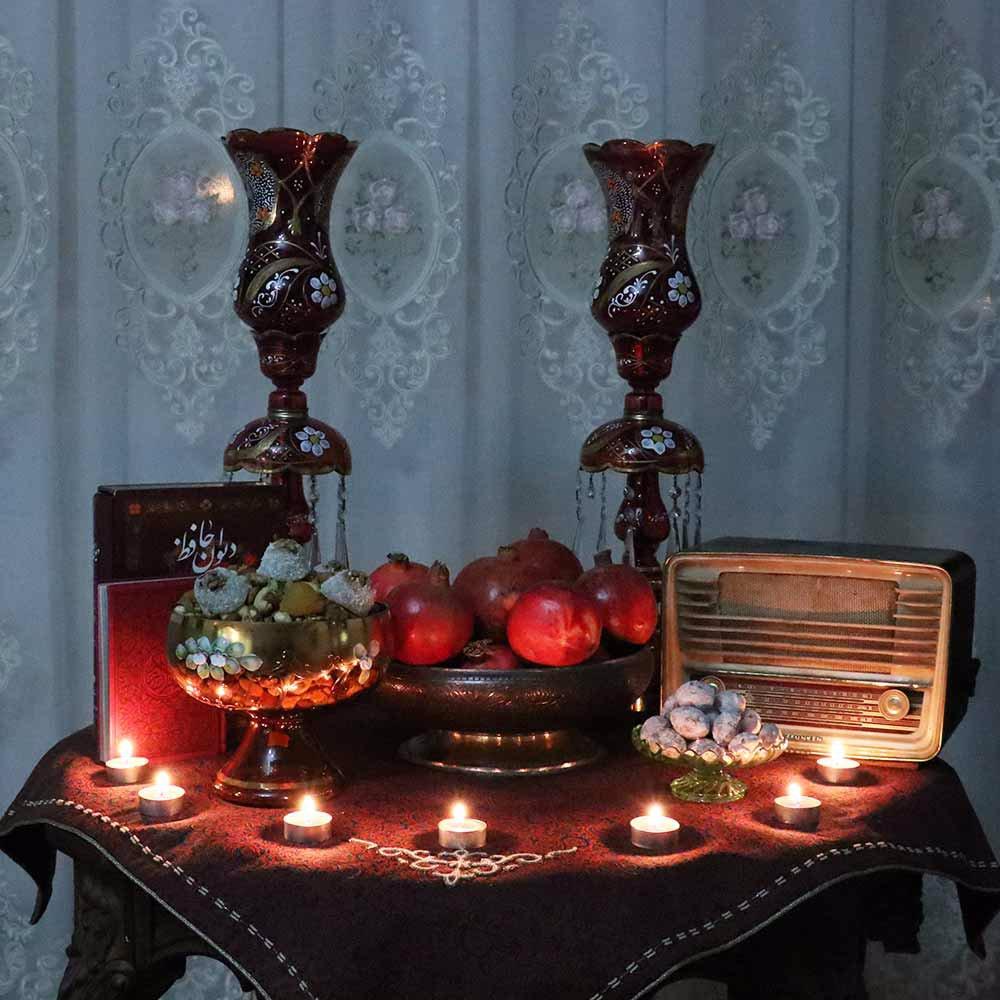 زیبایی سفره شب یلدا با شمع
