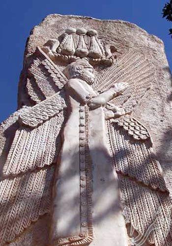 مار در نماد کوروش