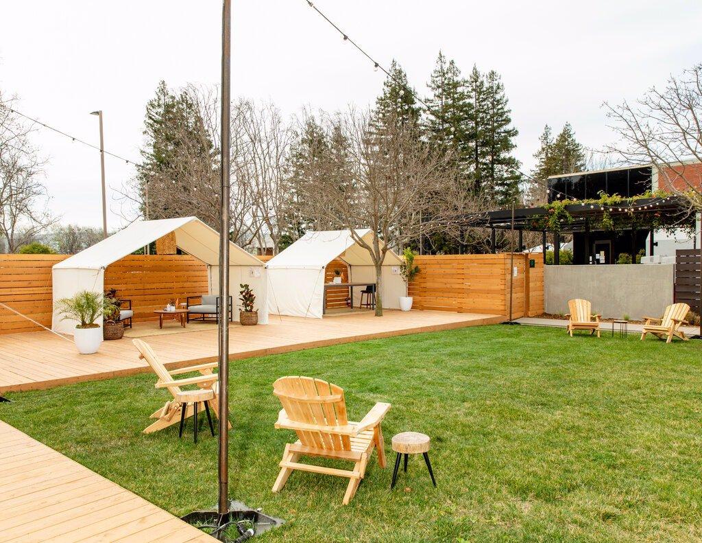 فضاهای بیرونی جدید برای جلسات تیمی در محوطه باز مانتین ویوMountain View گوگل.