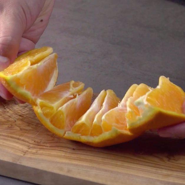 پرتقال ها آماده برای خوردن