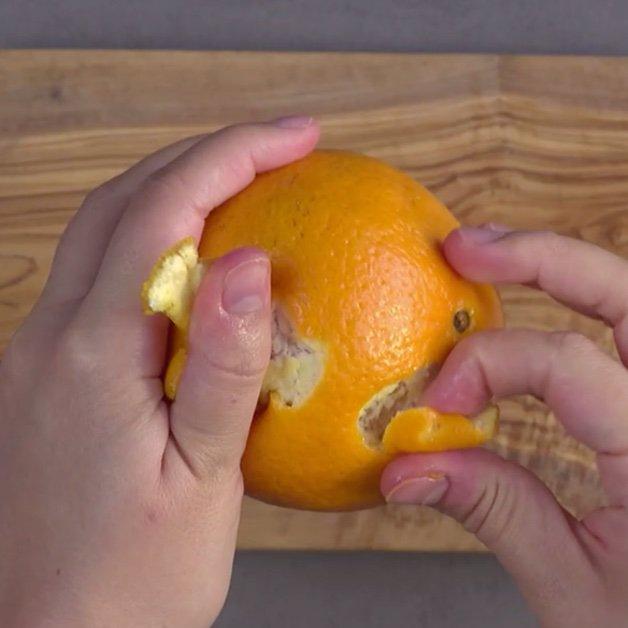 پرتقال و پوست کردنش
