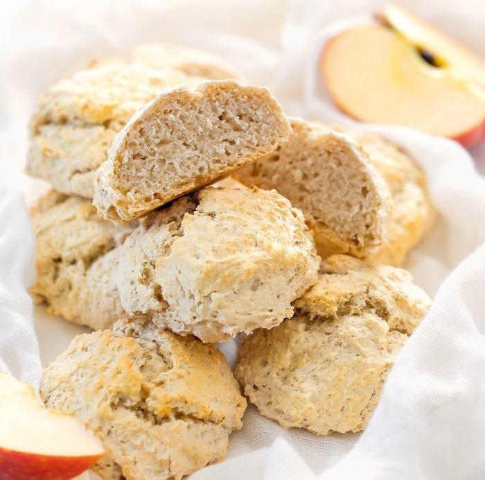 نان سیب تنها با دو ماده اولیه