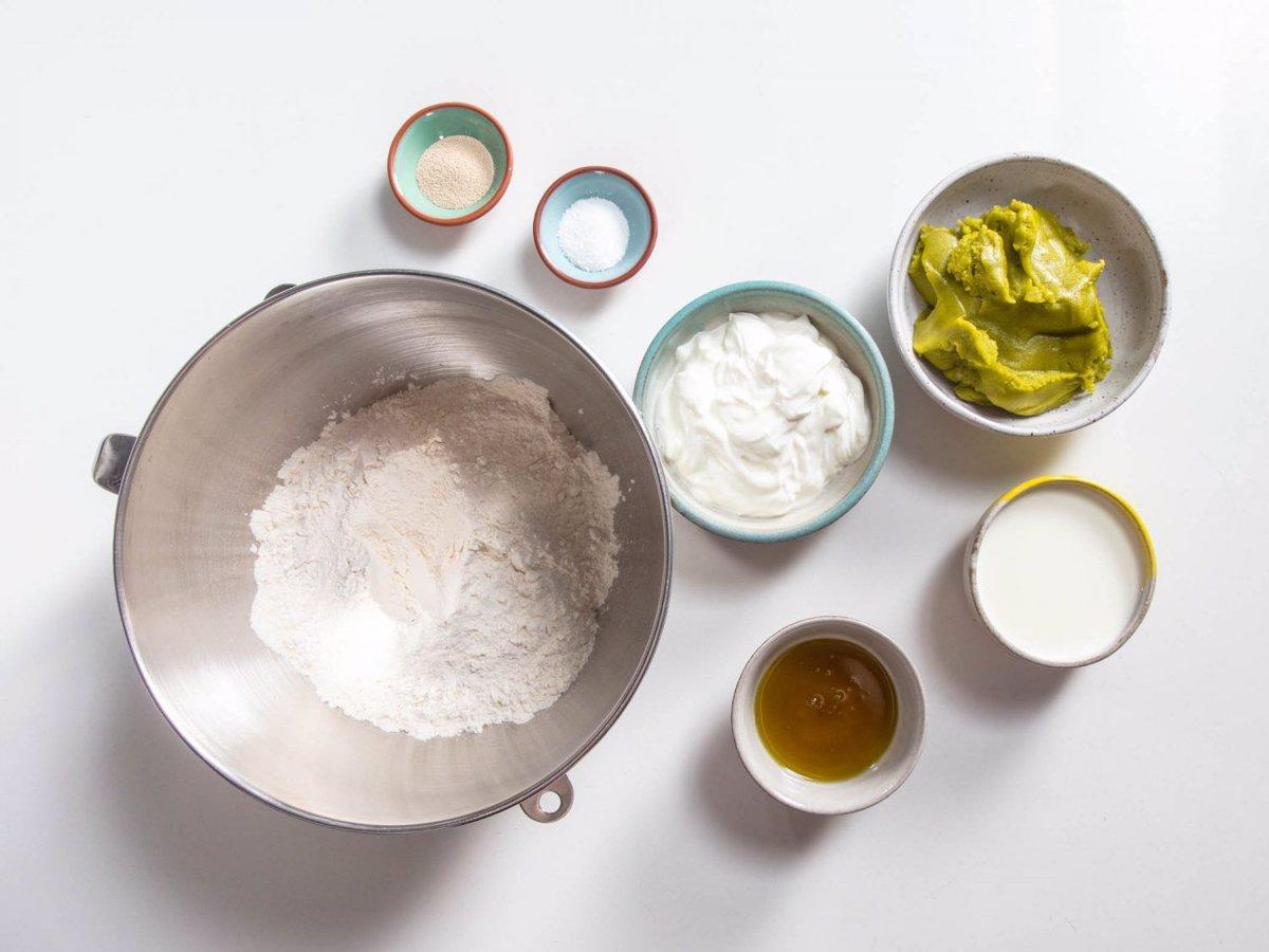 مواد لازم برای نان پسته خانگی