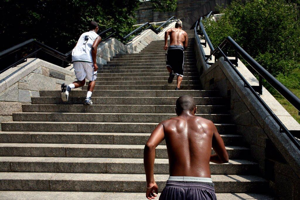 تقویت عضلات تنها با تمرینات متناوب 4 ثانیه ای
